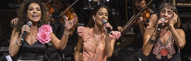 """Show """"Las Elegidas"""" au Colon – Tini avec des fans (25/02)"""